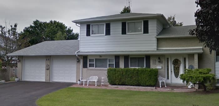 These customers knew how to choose a good roofing contractor in Ajax with two tone grey shingles